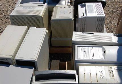 Battle Australia's E-Waste Problem with 4 Waste Walk-In Skip Bins
